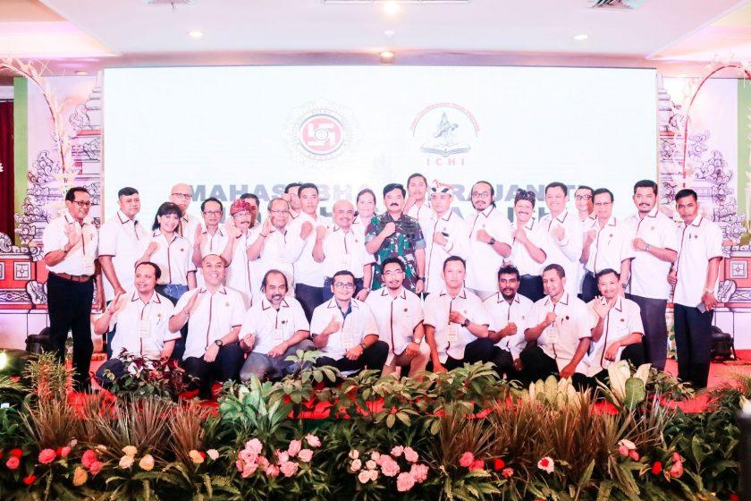 Panglima TNI bersama Jajaran Dewan Pimpinan Pusat ICHI 2013-2018